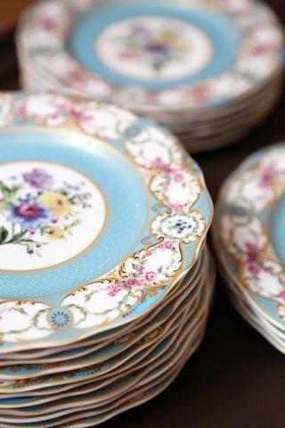 ornate-plates-southern-theme-wedding
