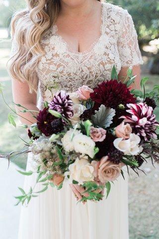 bouquet-with-burgundy-flowers-dusty-rose-dahlias