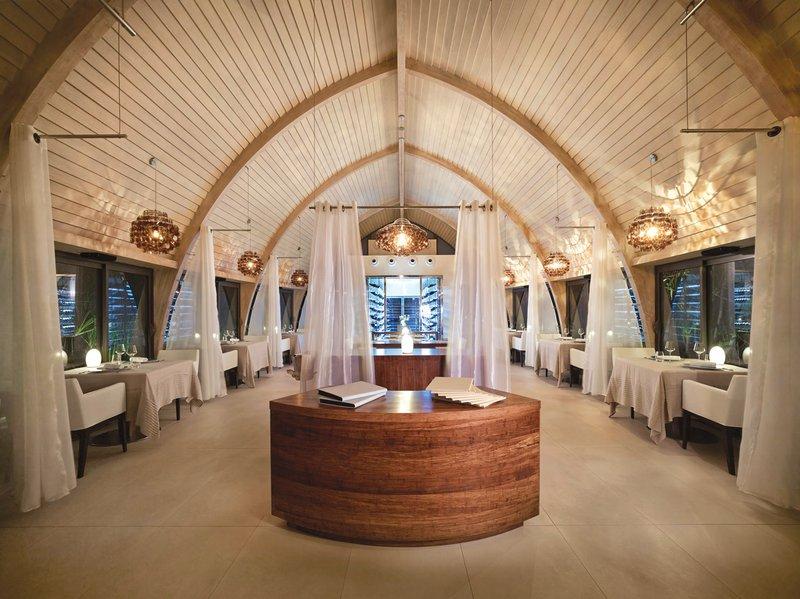 Mutineer Restaurant at The Brando