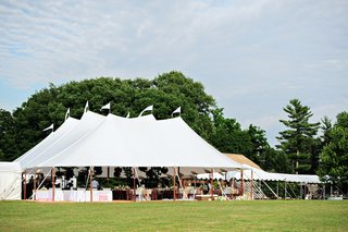 tented-wedding-reception-in-a-private-residence-in-mohrsville-pennsylvania