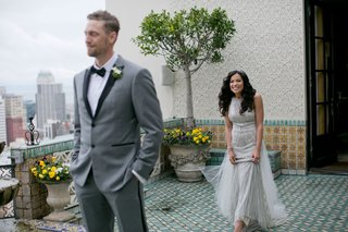 hunter-pence-waiting-for-alexis-cozombolidis-during-first-look-in-san-francisco-before-wedding
