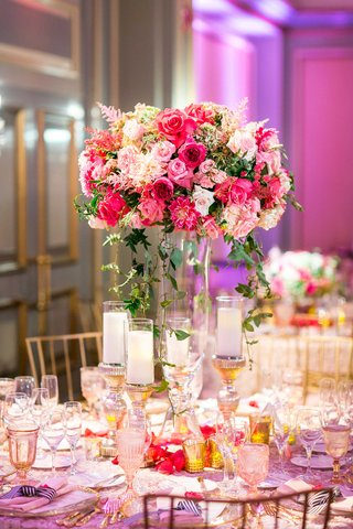 texture-table-linen-glass-centerpiece-vase-greenery-pink-rose-pink-dahlia-pink-astilbe-flowers