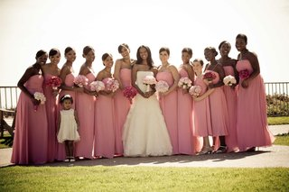 bride-with-ten-bridesmaids-two-junior-bridesmaids-and-flower-girl