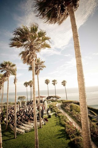 the-ritz-carlton-laguna-niguel-wedding-on-lawn