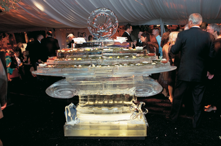 wedding-reception-ice-sculpture-of-roman-column-holds-appetizers