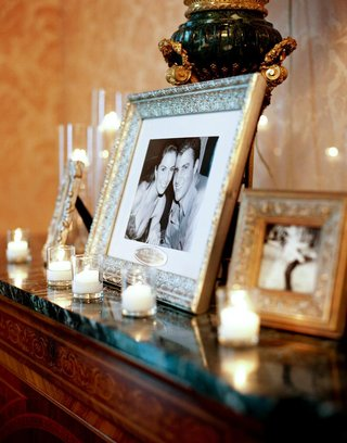 wedding-mantle-photo-frames-with-candles