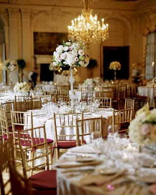 wedding-reception-in-chandelier-ballroom