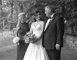 black-and-white-photo-of-bride-with-mother-of-bride