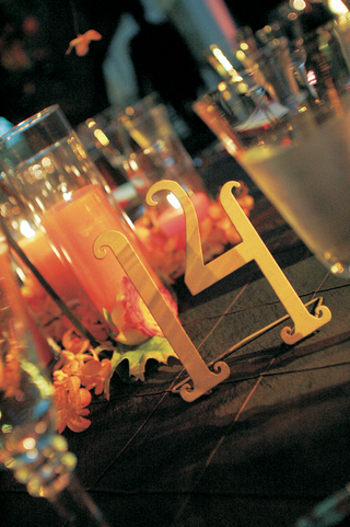 slightly-curved-metal-wedding-reception-number