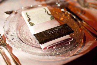 wedding-favor-of-personalized-chocolate-bar