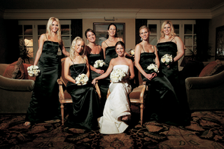 bride-with-her-bridesmaids-in-ebony-gowns