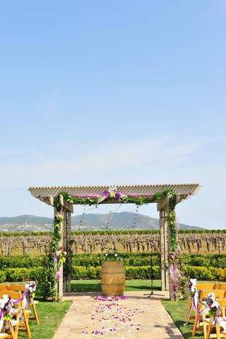 ceremony-structure-in-front-of-wine-vineyard