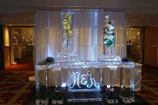 ice-sculpture-with-initials-etched-in-center
