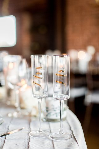 gold-foil-champagne-glass-with-mr-and-mrs-gift-ideas-wedding-engaged-couples
