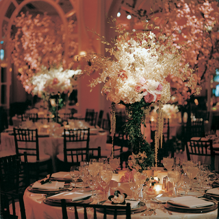 reception-centerpieces-and-decorations-with-flowers