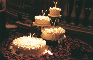 french-baskets-four-layer-wedding-cake