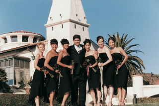 grooms-portrait-with-his-brides-bridesmaids