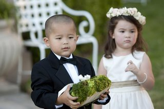 young-asian-boy-and-girl-in-wedding-attire