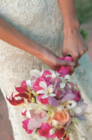 wedding-bouquet-with-tropical-orchid-flowers