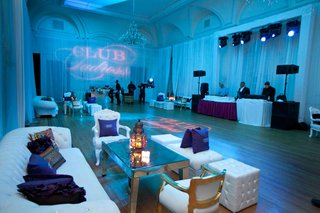 wedding-after-party-with-a-club-theme-and-light-blue-lighting
