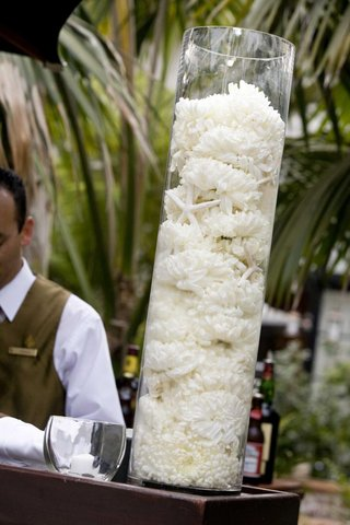 wedding-reception-bar-flower-arrangement