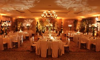 luxury-ballroom-wedding-reception-with-topiaries