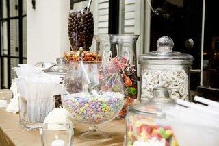 outdoor-wedding-reception-candy-bar