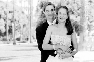black-and-white-photo-of-newlyweds