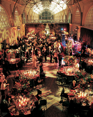 wedding-reception-with-fall-colors-at-the-san-francisco-ferry-building