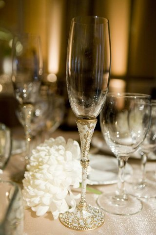 champagne-glass-with-white-gold-and-crystal-details