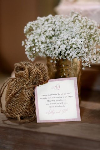pink-bordered-favor-note-with-burlap-bag