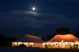 wedding-reception-in-tent-in-newport-rhode-island