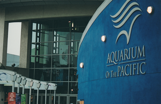 entrance-to-aquarium-of-the-pacific-in-long-beach