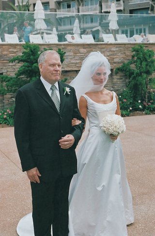 bride-on-her-fathers-arm-at-montage-laguna-beach