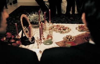 persian-wedding-ceremony-items-and-mirror