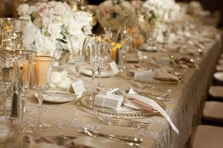 champagne-linens-with-low-floral-arrangements
