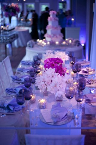 blue-lighting-at-wedding-reception-with-purple-color-palette