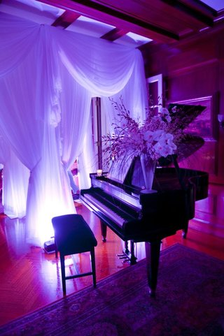 wedding-reception-baby-grand-piano-with-purple-lights