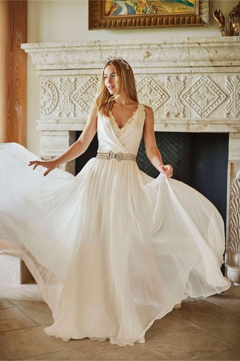 """Aura"" Vintage-Inspired Wedding Dress"