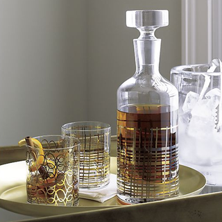 gold-and-silver-design-on-decanter-wedding-gift-idea
