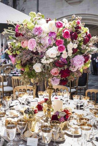 centerpiece-at-nikki-sixx-and-courtney-binghams-wedding