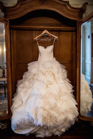 strapless-lazaro-wedding-dress-with-sweetheart-neckline-alencon-lace-bodice-ruffled-skirt