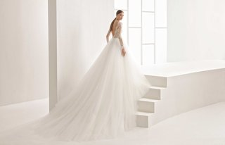 rosa-clara-bridal-niher-wedding-dress-princess-style-lace-long-sleeves-low-back-and-tulle-skirt