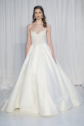 anne-barge-fall-2018-ballerina-corseted-bodice-of-beaded-embroidered-lace-mikado-ball-gown