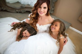 echosmith-singer-sydney-sierota-wedding-dress-flower-girls-in-white-tulle-dresses-getting-ready