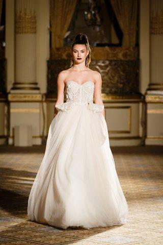 berta-spring-summer-2018-ball-gown-sweetheart-neckline-corset-bodice-full-tulle-skirt-panels