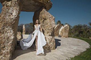 dakota-wedding-dress-by-julie-vino-quartet-collection