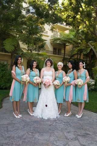 bride-with-bridesmaids-in-short-vintage-turquoise-dresses