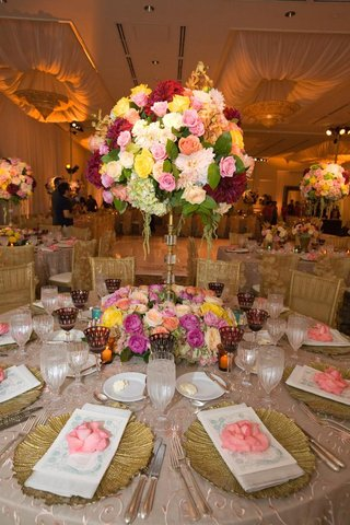 colorful-vintage-inspired-wedding-reception-with-gold-touches