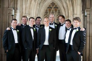 groom-with-groomsmen-in-tuxes-at-duke-university-chapel